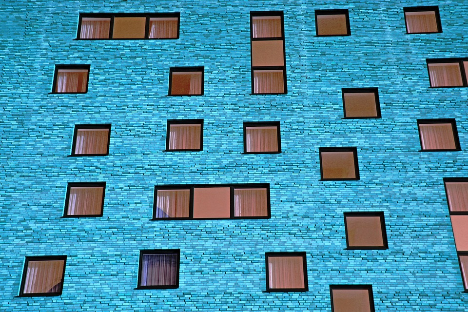 Isolation phonique mur maison